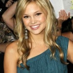 Cute Long Wavy Hairstyle for Girls - Olivia Holt's Hairstyles