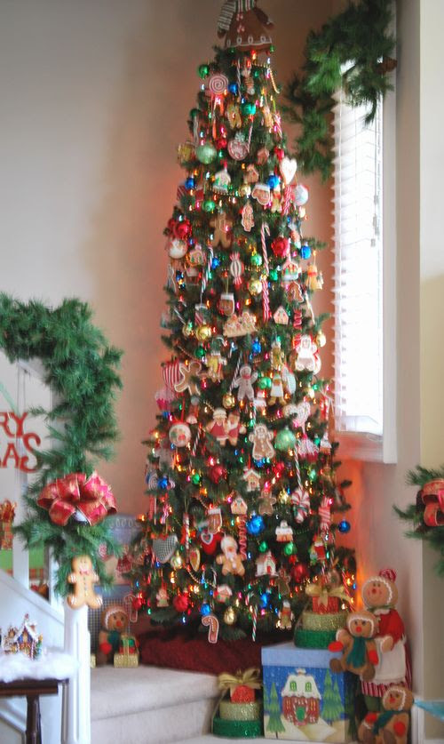 Gingerbread Christmas - I have always wanted to do an all gingerbread themed tree