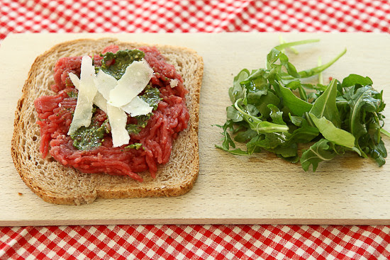 beef pesto sandwich
