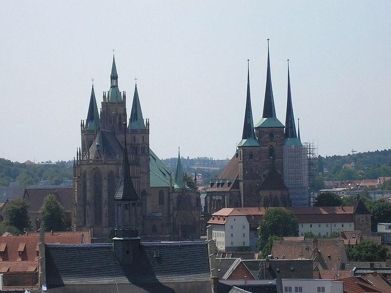 File:Domhügel Erfurt.JPG