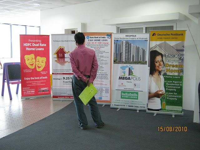 Megapolis Smart Homes 2, Hinjewadi Phase 3 - property buyer checking the special offers