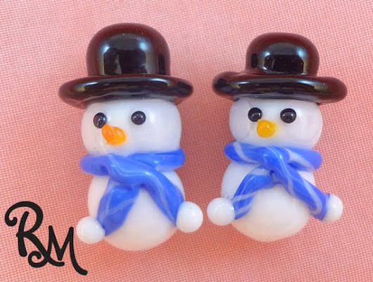 Lampwork Bead Pair Holiday Snowmen 'Flurry' by RoxeMarie on Etsy