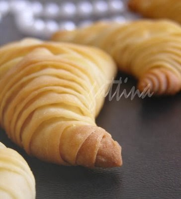 Kitchen Unplugged: Flaky Ricotta Pastry (lobster tail)