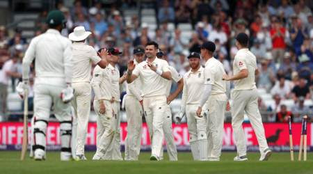 England vs Pakistan 2nd Test Day 1 at Headingley: England 106/2, trail by 68