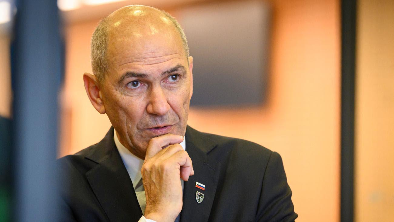 "Sloweniens Premier nennt EU-Abgeordnete ""Soros-Marionetten"""