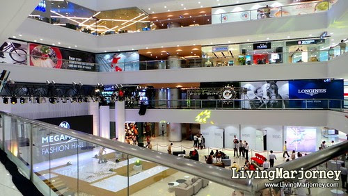 New Mega Fashion Hall, by LivingMarjorney