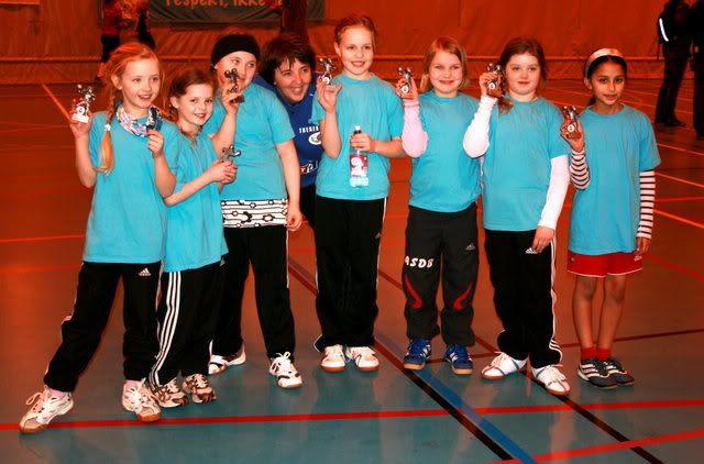 FSK3 - Ruth Sølvi med jentene... og flotte premier!