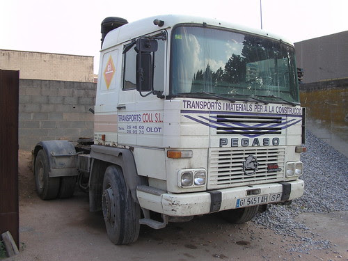 Tractora Pegaso Tecno de l'empresa COLL d'Olot