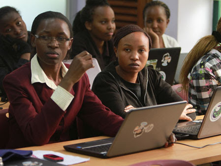 Students at an AkiraChix training lab