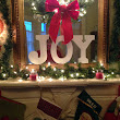 New Orleans Christmas Mantel :: A Southern Life