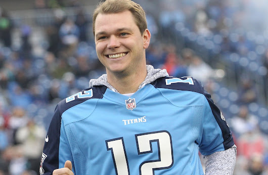 Tennessee Titans honor Oakland A's pitcher Sonny Gray