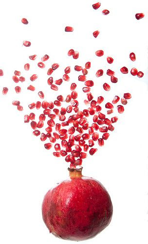 pomegranate has large zinc count, calcium, copper, iron, magnesium, manganese, phosphorous, potassium, selenium