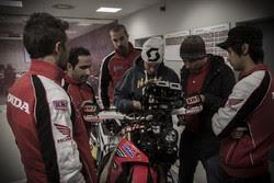 Honda racing DAK15_preparations_03