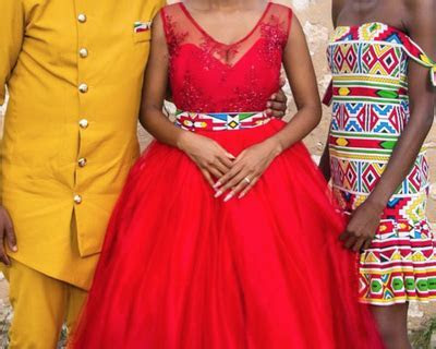 Former Idols runner up gets married in a blood red wedding