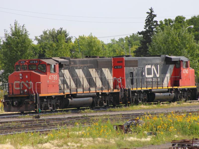 CN 4795 and 4790 in Regina
