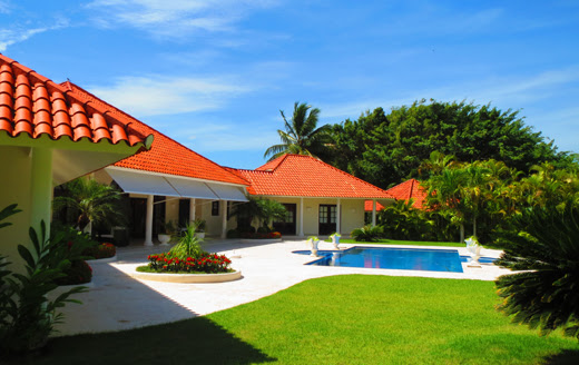 Large villa in beachside gated community