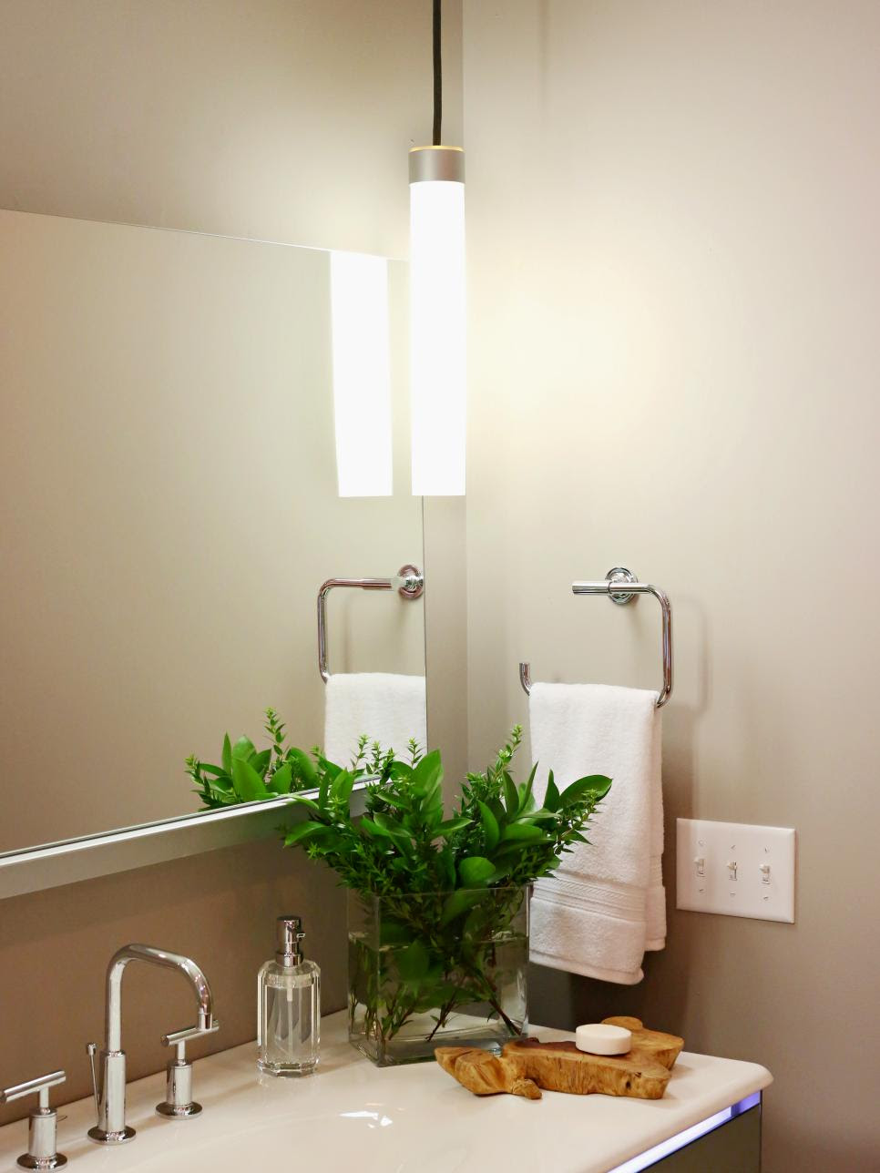 Pictures of Bathroom Lighting Ideas and Options | DIY