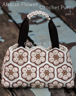 African-flower-crochet-purse-3_small2