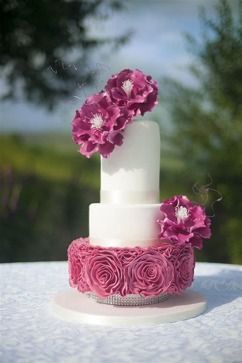 Ruffle Rose Wedding Cake   Paul Bradford Sugarcraft School