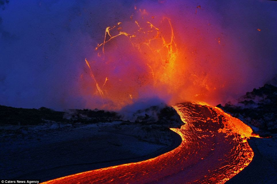 Deadly: Molten rock flies through the air