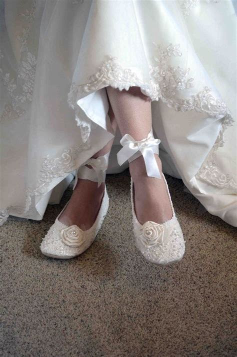 Here we go, nice flats for a wedding! Why wear heels when