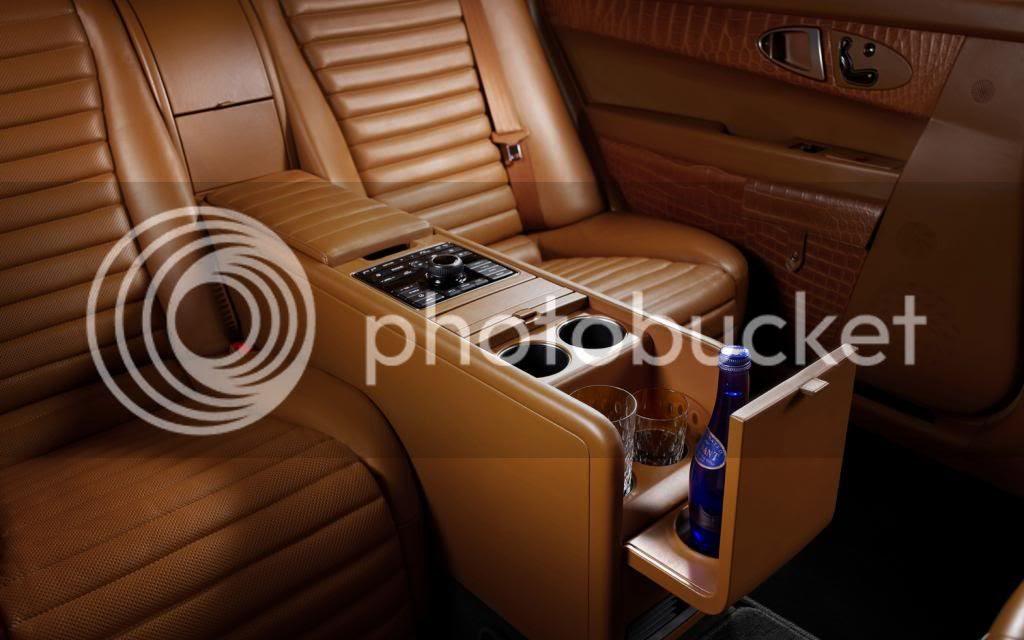 photo Hyundai-Equus-by-Hermes-rear-seat-11_zps8169ba8c.jpg