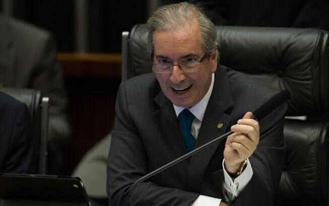 Em março, logo no início do mandato como presidente da Câmara, Cunha preside sessão de votações com ar confiante. Foto:  Fabio Rodrigues Pozzebom/ Agência Brasil - 19.3.15