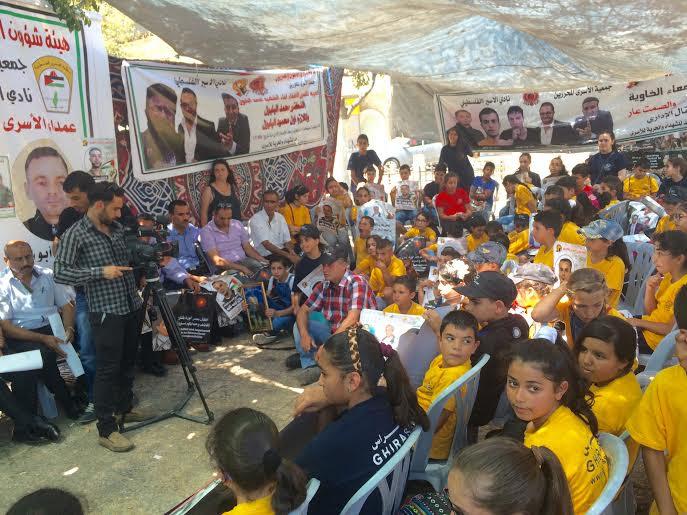 Betlemme. La tenda di solidarietà con Bilal Kayed e altri detenuti politici palestinesi. (Foto Michele Giorgio)