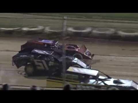 Florence Speedway | 8.29.15 | Modified Heat | Ryan Morton & Brandon Green Wreck