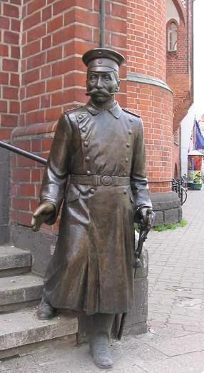 File:Hauptmann Köpenick.JPG