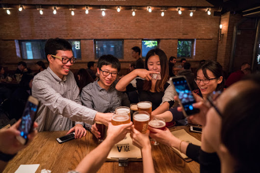 China Embraces Craft Beers, and Brewing Giants Take Notice - The New York Times