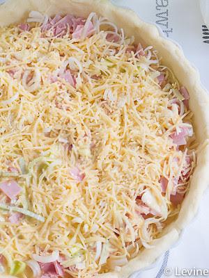 Hartige taart met prei en ham-4