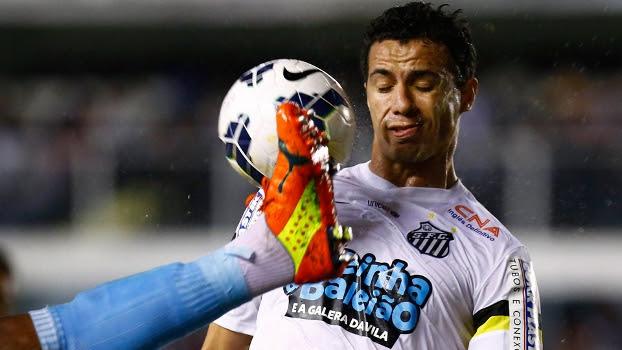 Leandro Damião até participou de um gol, mas desperdiçou uma chance inacreditável