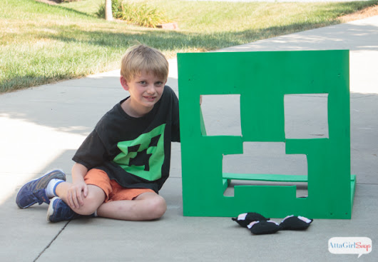 Minecraft Party Games: Minecraft Bean Bag Toss Game