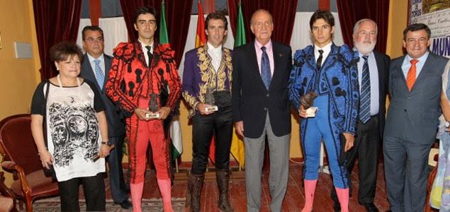 El ministro Arias Cañete, en los toros con el rey el pasado sábado. Casa Real