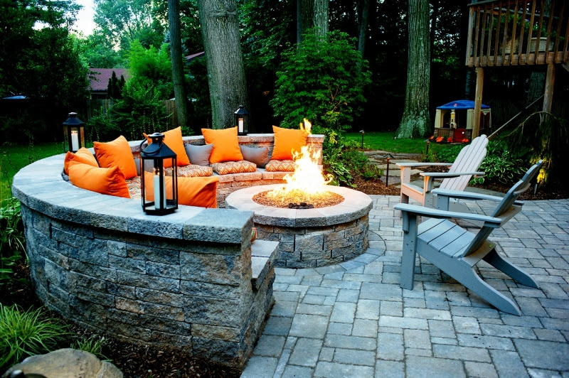 Outdoor Kitchens Fire Pits