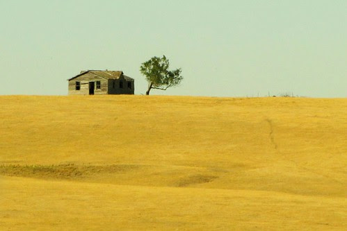 IMG_5600_Old_House_from_I-90_in_SD
