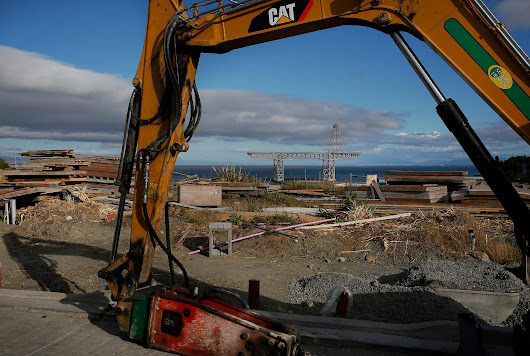 Toxic soil went from SF's Hunters Point to state landfills, ex-workers say - San Francisco Chronicle