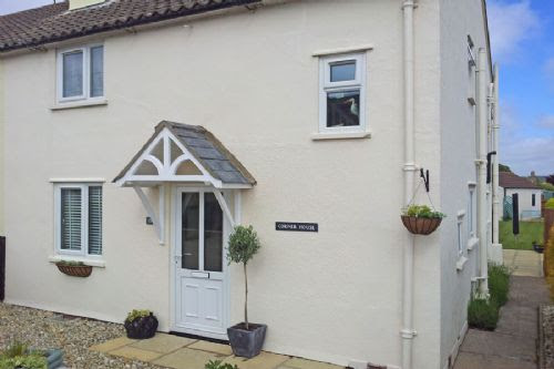 Self Catering Holiday Home, Wells-next-the-Sea – Corner House, Norfolk