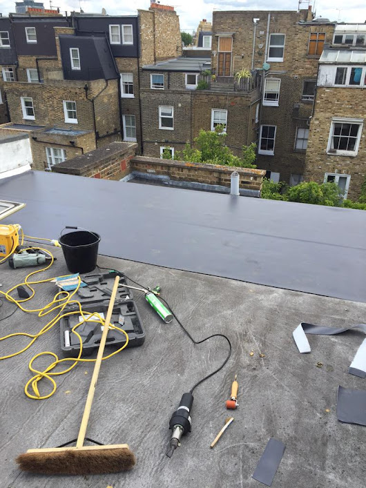 "Lee Martin on Twitter: ""Overlaying the main roof on the Chelsea town house with Wolfin single ply. 👌 """