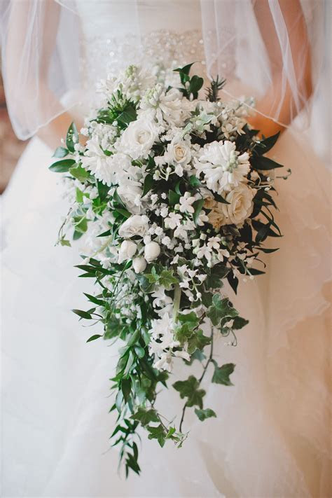 Cascading bouquet. Pictured: Bouvardia, Lilly of the