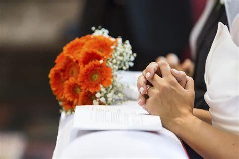 Choose a wedding prayer for your ceremony   Easy Weddings UK
