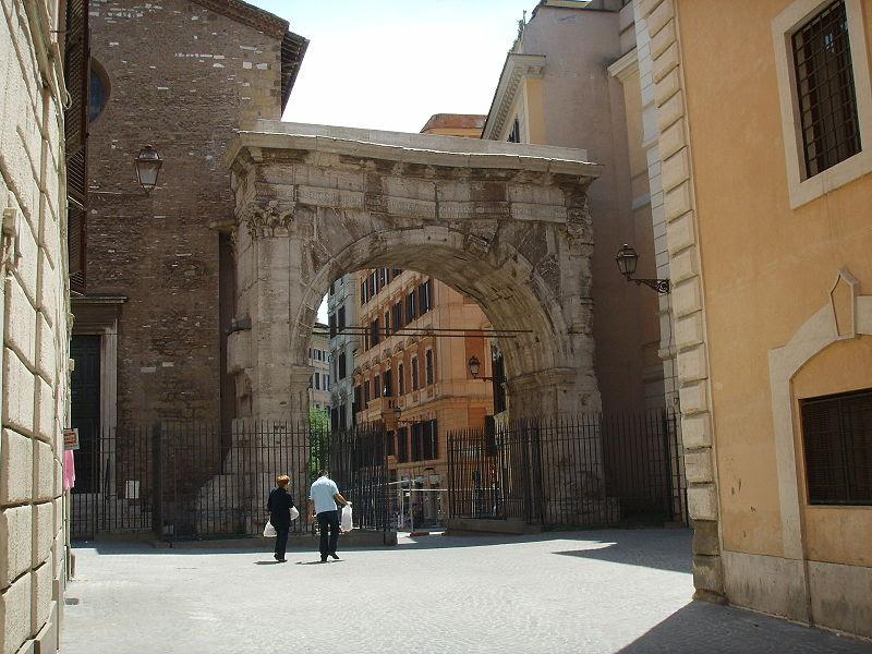 File: Arco di gallieno 1.JPG