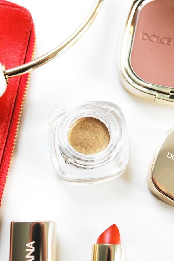 Le Fashion Blog Holiday Party Beauty Style Dolce Gabbana Makeup Red Lipstick Bronzer Powder Illuminator Metallic Gold Eyeshadow By Jenn Camp