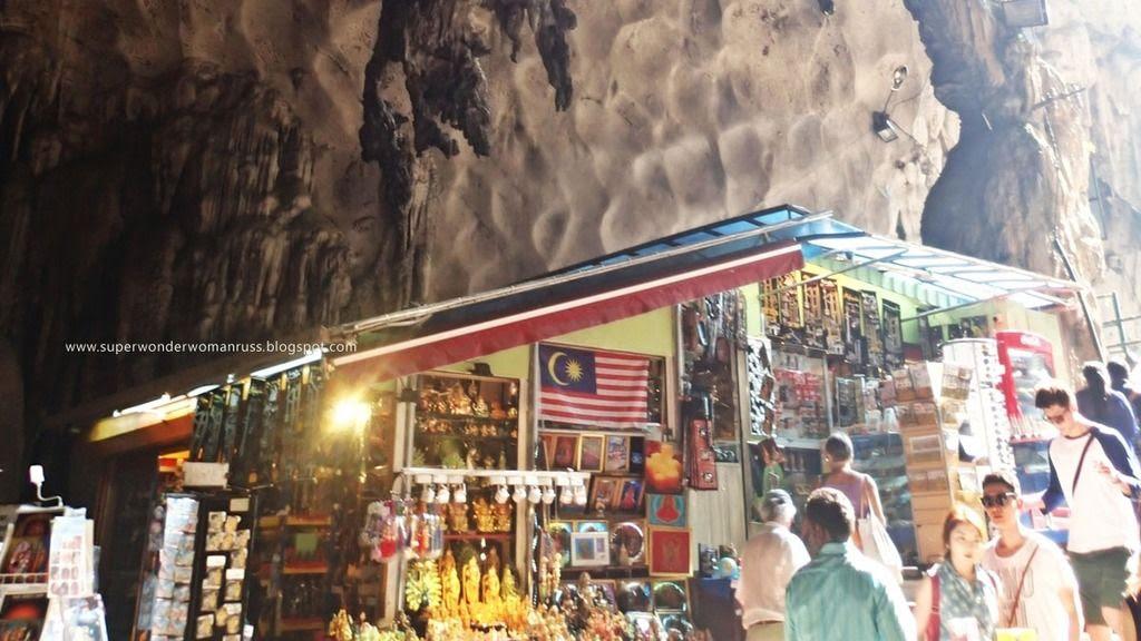Stalls selling Batu Caves souvenirs