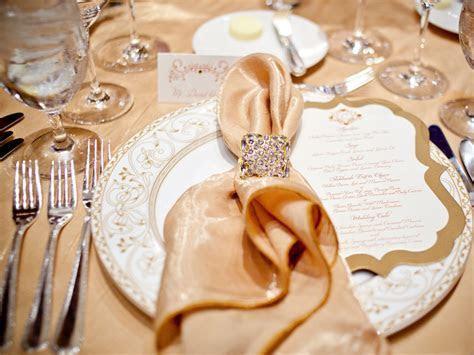Izyaschnye wedding rings: Napkin rings for wedding reception