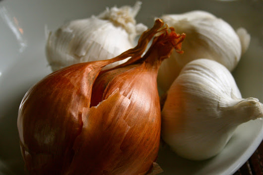 What Causes Nasty Garlic Breath? Science Has the Answer