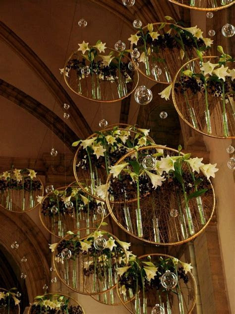 25  unique Hula hoop chandelier ideas on Pinterest   DIY