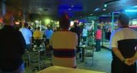 Pastores ousam no evangelismo e realizam culto em clube de strip-tease