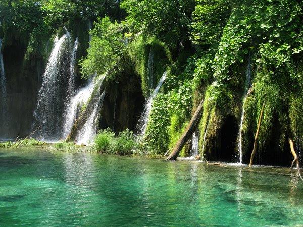 plitvice waterfalls: none